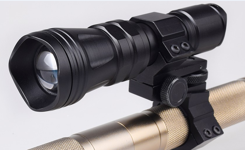 Zoomable Hunting Flashlights With Red Amp Green Leds Prolites